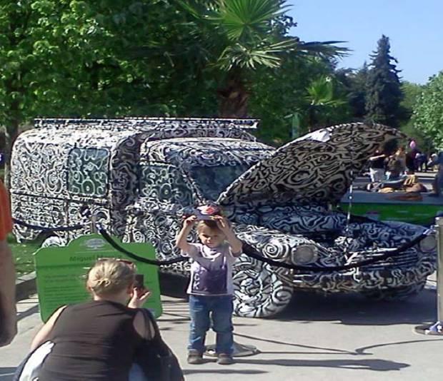 Miguel MARAJO expose ses drôles de voitures