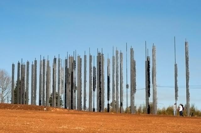 Superbe : un monument d'acier en l'honneur de Nelson MANDELA